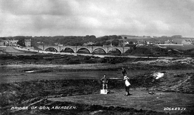 Postcard of golf at Balgownie, date unknown