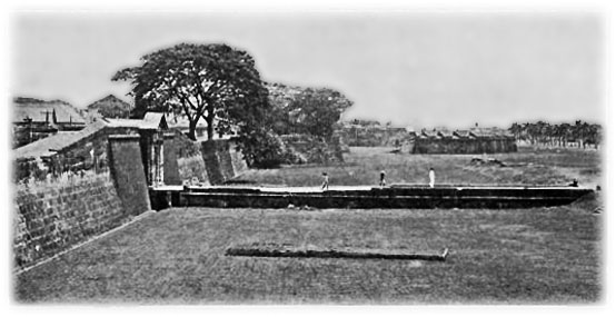 Apparently part of Manila golf course (seen here in 1929) was constructed within the old city moat